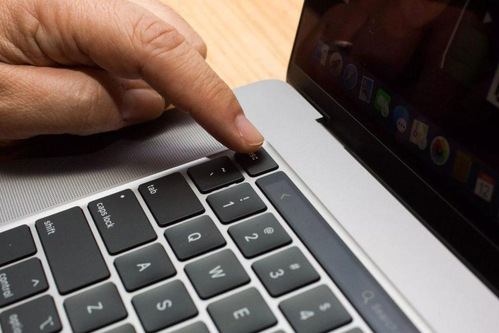 Billentyűzet - MacBook Pro 16 incses Laptop