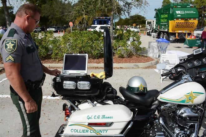 Ipari notebook és konzol a rendőrség Harley-Davidson motorján