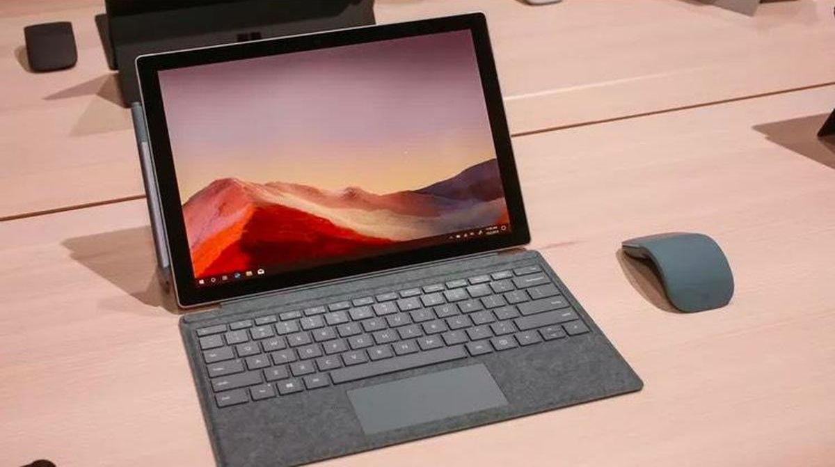 Surface Pro 7 hibrid notebook